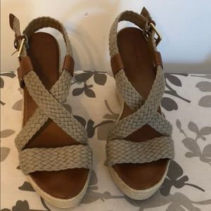 Women's Banana Republic size 10 wedge